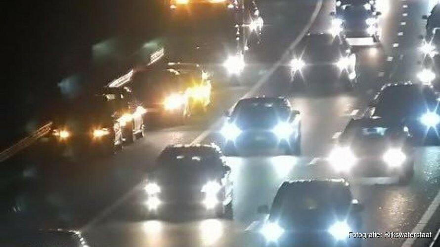 A7 bij Purmerend dicht na ongeluk met zes auto's