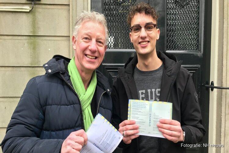 """Vader en zoon Zaal brengen samen hun stem uit: """"We stemmen zeker op elkaar"""""""
