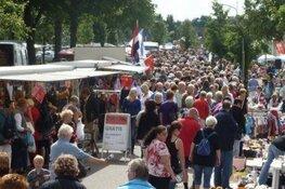 Moederdag-braderie in Oostzaan