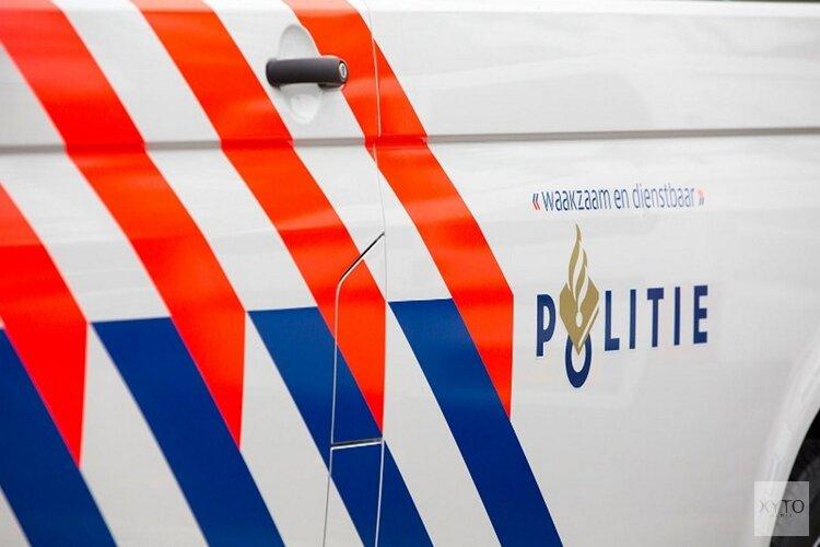 Brokkenmaker laat auto achter in sloot Noorderveenweg