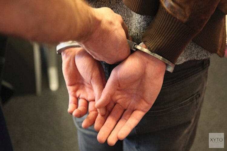 Notoire drugsdealer (37) opgepakt na achtervolging door Zaanstreek