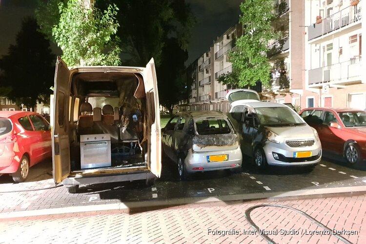Meerdere voertuigen in de fik in Zaandam