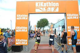 Eerste 1/8 triathlon voor KiKa groot succes