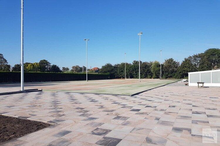 Nieuwe minibaan voor TV Westzaan om jeugd aan het tennissen te krijgen
