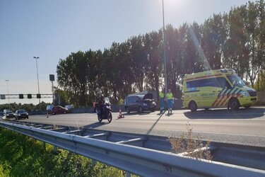 Veel vertraging op A7 door ongelukken in beide richtingen
