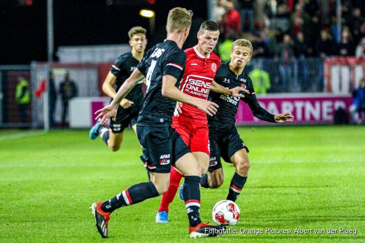 Almere City FC wint nipt van Jong AZ