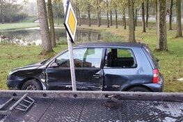 Veel schade bij botsing Oostzaan