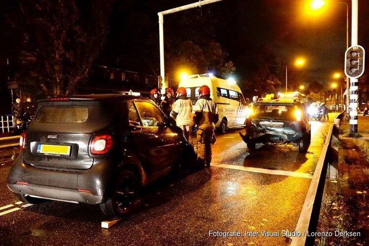 Gewonde en veel schade bij botsing Kepplerstraat