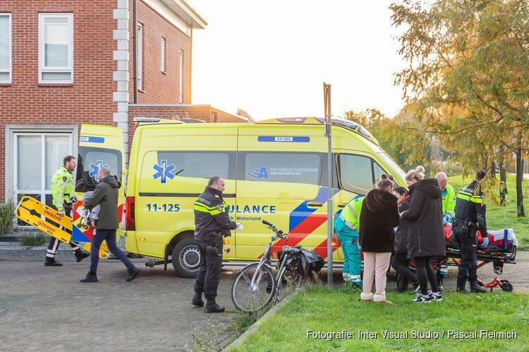 Ongeval met auto elektrische fiets in Assendelft, vrouw zwaargewond