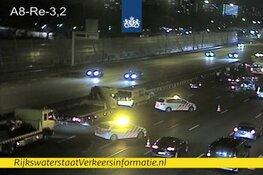 Ongeluk met zeven auto's op A8 bij knooppunt Zaandam