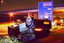 Auto slaat over de kop in Zaandijk