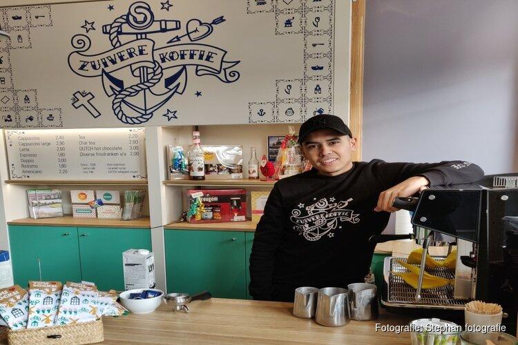 Zuivere Koffie weg uit Zaanstore