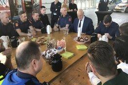Minister Grapperhaus op werkbezoek bij brandweer in Zaanstad
