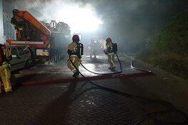 Vrachtwagen in brand in Zaandam