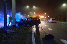 Automobilist ernstig gewond in Zaandam