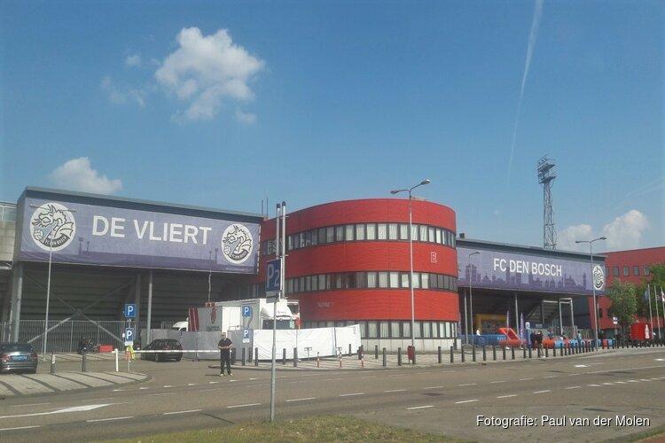 Vroege rode kaart nekt Jong AZ in Den Bosch