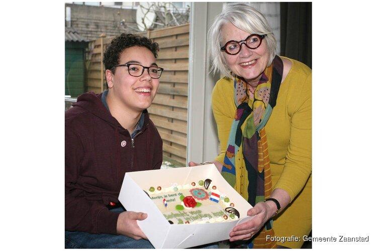 Merijn (15 jaar) ontvangt vrijwilligerswaardering voor zijn inzet voor een inclusieve stad