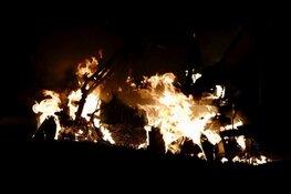 Scootmobiel brandt uit in Assendelft; vermoedelijk aangestoken