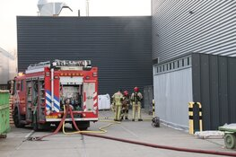 Middelbrand bij gebouw in Zaandam