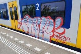Graffitispuiters slaan weer toe op NS-station Wormerveer