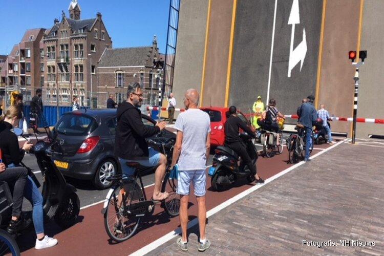 Pas geopende Wilhelminabrug wordt aangepast na meerdere fietsongelukken