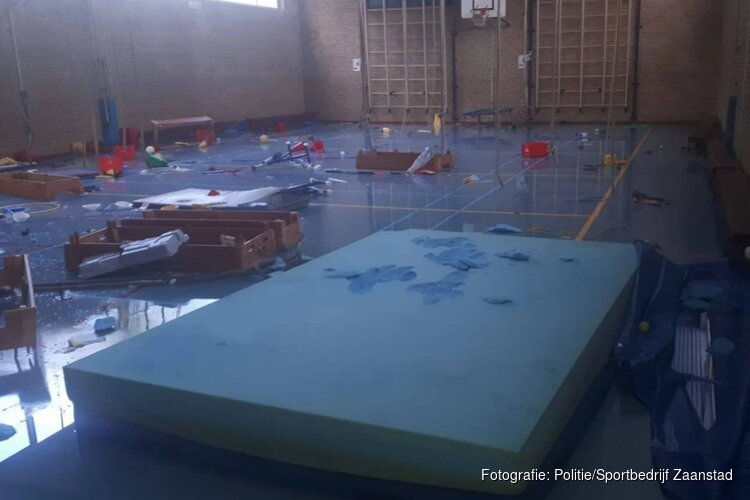 Gymzaal Zaandam vernield en onder water gezet, daders nog niet in het vizier