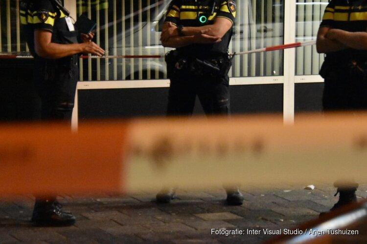 Politie lost waarschuwingsschot bij aanhouding gewapende verwarde verdachte in Zaandam