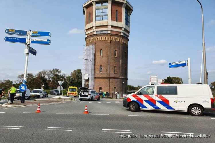 Bromfietser aangereden bij watertoren in Assendelft