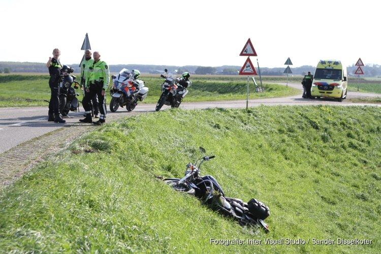 Motorrijder gewond na valpartij van dijk in Assendelft