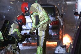 Zes auto's in brand voor flat in Zaandam