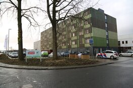 Hulpdiensten met spoed naar nieuw arbeidsmigranten hotel in Zaandam