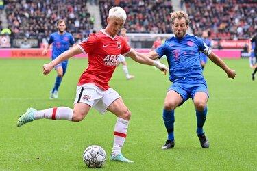 AZ maakt korte metten met zeer matig FC Utrecht