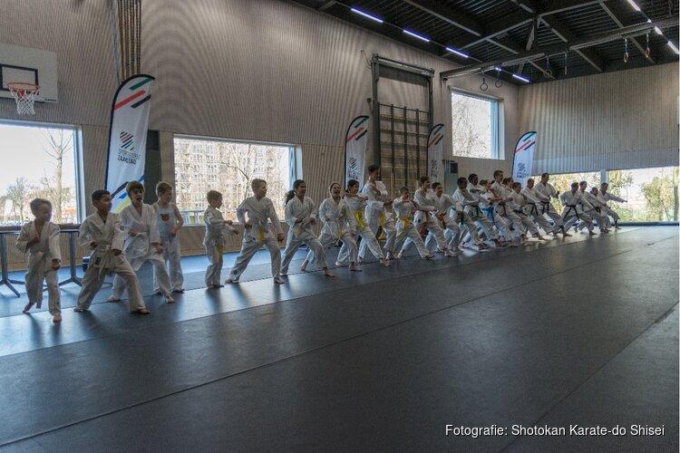 Karate Demonstratie tijdens opening Crommenije