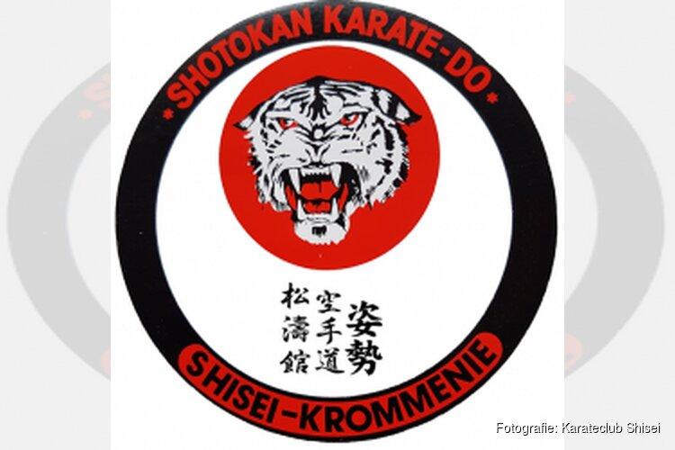 Geslaagde karate Demonstratie tijdens opening Crommenije
