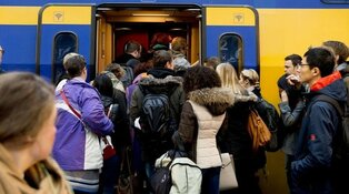 Komende jaren duizenden extra treinreizigers verwacht: ProRail investeert miljarden