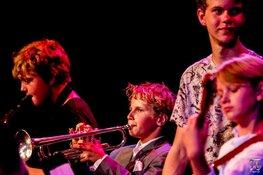 West End Big Band & Jazzkidzz bij FluXus; 18-koppige bigband begeleidt jong jazztalent
