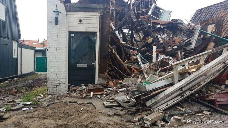 Café in Zaandam volledig ingestort na brand