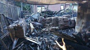 Brand verwoest buitenopslag Scouting Koog-Zaandijk