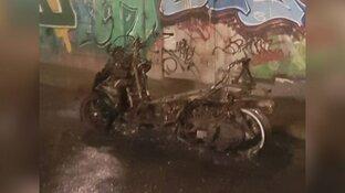 Weer voertuigbrand in Zaandam: motorscooter brandt af in fietstunnel