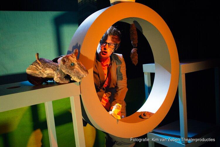 Eendje: een komische reportage over een verwarde eend, voorstelling in het Zaantheater