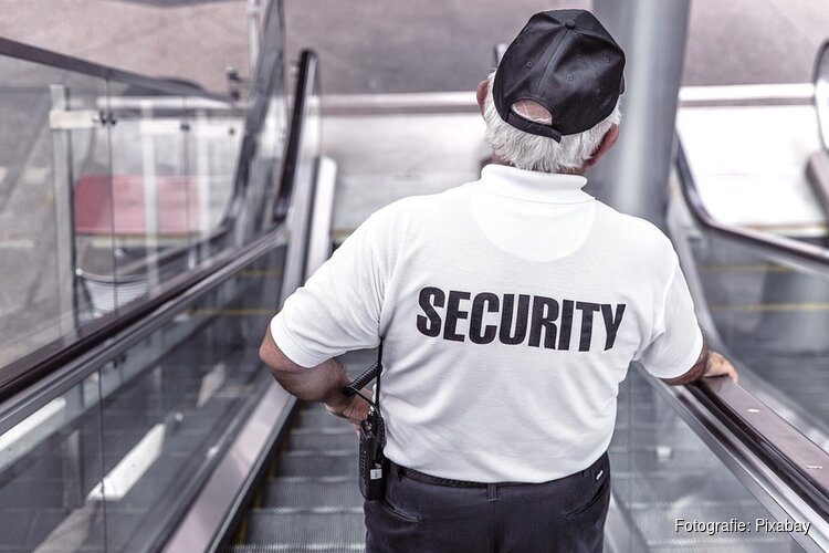 Burgemeester geeft in Krommenie aftrap Week van de Veiligheid