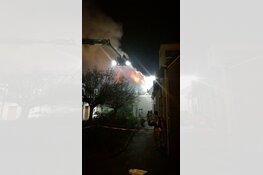 Zeer grote brand in woning Wormerveer: 'Omwonenden geëvacueerd'